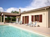 gite Calignac Modern villa in La Romieu with swimming pool