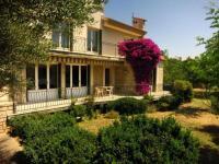 gite Cuges les Pins Maison lumineuse et spacieuse avec jardin arboré