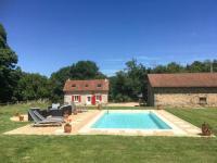 gite La Coquille Ladignac-le-Long Villa Sleeps 5 Pool WiFi