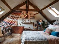 gite Lamballe Langourla Villa Sleeps 2 WiFi