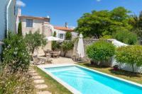 gite Saint Ouen d'Aunis Le Bois-Plage-en-Re Villa Sleeps 8 Pool Air Con