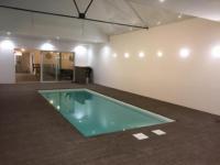 gite Neuvy en Mauges Loft design avec piscine intérieur