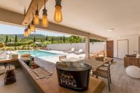 gite Coudoux Villa Puy Saint Reparade avec piscine