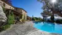 gite Arles Les Baux de Provence Villa Sleeps 6 Pool WiFi