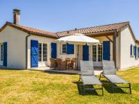 gite Gourgé Cozy Villa with Swimming Pool in Les Forges