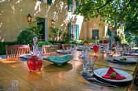gite Roquebrune sur Argens Les Guiols Villa Sleeps 14 Pool Air Con WiFi