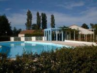 gite Saint Froult House Les mathes la palmyre - maison mitoyenne - le clos des chenes - proche foret-proximite centre par pistes cyclables-