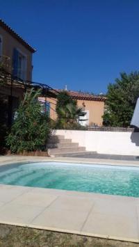 Gîte Espondeilhan Gîte Villa Individuelle, piscine privée, 4 chambres, proche plages