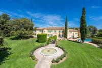 gite Flayosc Chateau de Lorgues - Beautiful Chateau with vineyard in the heart of Provence