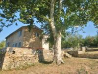 gite La Barben Upscale Villa in Provence with terrace and garden with seating
