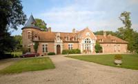 gite Châtres sur Cher Millancay Villa Sleeps 14 Pool WiFi