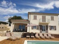 gite Saint Priest Villa Marguerite Mirabel piscine privée
