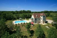gite Champdieu Mongoujou Villa Sleeps 8 Pool
