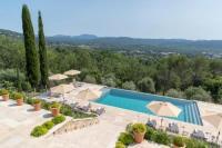 Location de vacances Créteil Montauroux Villa Sleeps 14 Pool Air Con WiFi