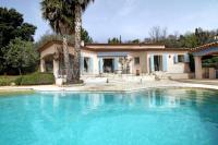 gite La Bastide Montauroux Villa Sleeps 8 Pool