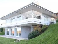 gite Nernier HOUSE VILLA 6 personnes Villa d'architecte avec magnifique vue à 2 minutes de la plage.