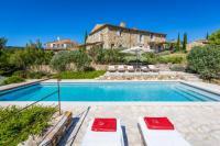 Villa Lagarde d'Apt Oppedette Villa Sleeps 24 Pool WiFi