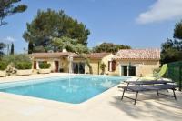 gite Saint Martin de Crau ACCENT IMMOBILIER Villa neuve wifi gratuit piscine