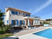 gite Olonzac Beautiful Villa with Private Pool in Beaufort