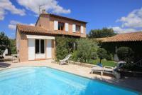 gite Cucuron Pertuis Villa Sleeps 8 Pool