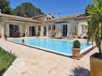 gite Le Muy Country Villa in Provence with private pool and garden