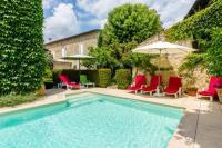 gite Naujan et Postiac Pujols-sur-Ciron Villa Sleeps 12 Pool WiFi