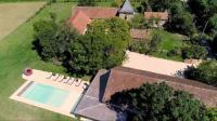 Gîte Tarn et Garonne Gîte Puylagarde Villa Sleeps 18 with Pool Air Con and WiFi