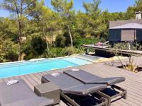 Gîte Nîmes Gîte Rendez-Vous Villa Sleeps 10 Pool Air Con WiFi