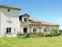 gite Montbron Villa La Preze 10