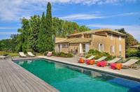 gite Roussillon Cavaillon Villa Sleeps 10 Pool WiFi