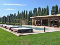 gite Salon de Provence Molleges Villa Sleeps 16 Pool Air Con WiFi
