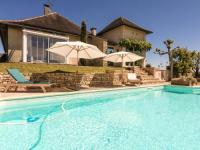 Gîte Limousin Gîte Cozy Villa in Saint-Bonnet-la-Riviere with Swimming Pool