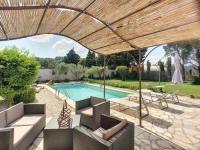 Location de vacances Saint Étienne du Grès ACCENT IMMOBILIER - Villa Encierro, piscine 6-9 pers