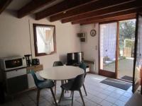gite Jau Dignac et Loirac House St georges de didonne, maisonnette de vacances residence sous les pins