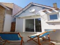 Villa Saint Gilles Croix de Vie House Maisonnette de pays à proximité de la grande plage idéale pour vos vacances en famille