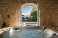 gite Faleyras Le Domaine de la Mission, piscine et spa privés, classé 5 étoiles