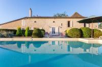gite Les Lèves et Thoumeyragues Saint-Pierre-d'Eyraud Villa Sleeps 8 Pool WiFi