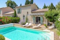gite Saint Étienne du Grès Saint-Remy-de-Provence Villa Sleeps 6 Air Con WiFi