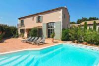 gite Arles Saint-Remy-de-Provence Villa Sleeps 8 WiFi