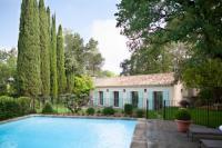 gite Arles Villa Valrugues