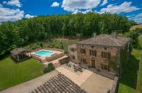 gite Saint Antonin Noble Val Sainte-Cecile-du-Cayrou Villa Sleeps 14 Pool WiFi