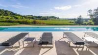 Gîte Gironde Gîte Sainte-Colombe-en-Bruilhois Villa Sleeps 8 Pool