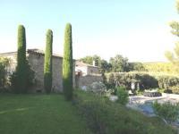 gite Alleins Villa en pierres sur un écrin de verdure