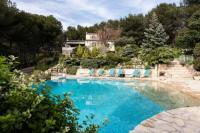 Gîte Bouches du Rhône Gîte Villa with 3 bedrooms in SeptemeslesVallons with wonderful mountain view private pool enclosed garden 18 km from the beach