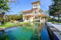 Gîte Gironde Gîte Taussat-les-Bains Villa Sleeps 16 Pool Air Con WiFi