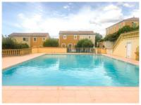 gite Saint Quentin la Poterie Villa Centre Uzes à Pieds avec piscine