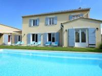 Gîte Vaucluse Gîte Spacious Villa in Vaison-la-Romaine with Swimming Pool