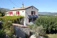 gite Lagorce Grande maison familiale avec piscine en Ardèche