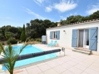 Gîte Hérault Gîte Upscale villa in Velieux with private pool and colourful garden