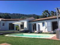 gite Cannes Villa moderne proche mer et montagne .